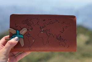 STITCH TRAVEL WALLET BROWN 2.0