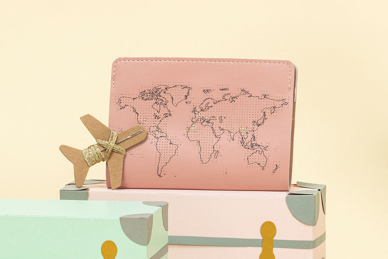 STITCH PASSPORT COVER PINK