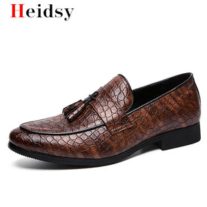 New Men Casual shoes breathable Leather Loafers Office Shoes For Men Driving Moccasins Comfortable Slip on Fashion Wedding Shoes