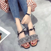 Vintage Women Square Toe Flat Sandals Cross Straps Rome Sandals Beach Shoes