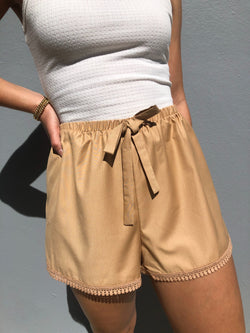Bottom Detail Short