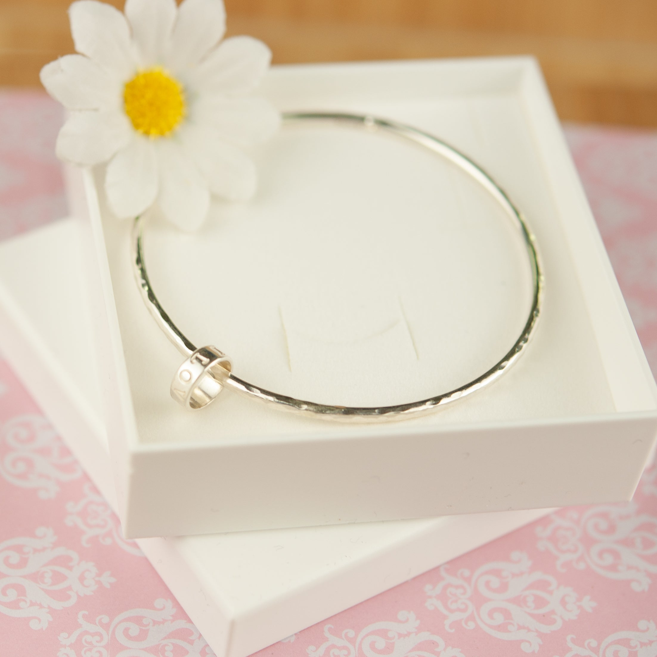 Belle & Bee midi bangle with personalised love loop