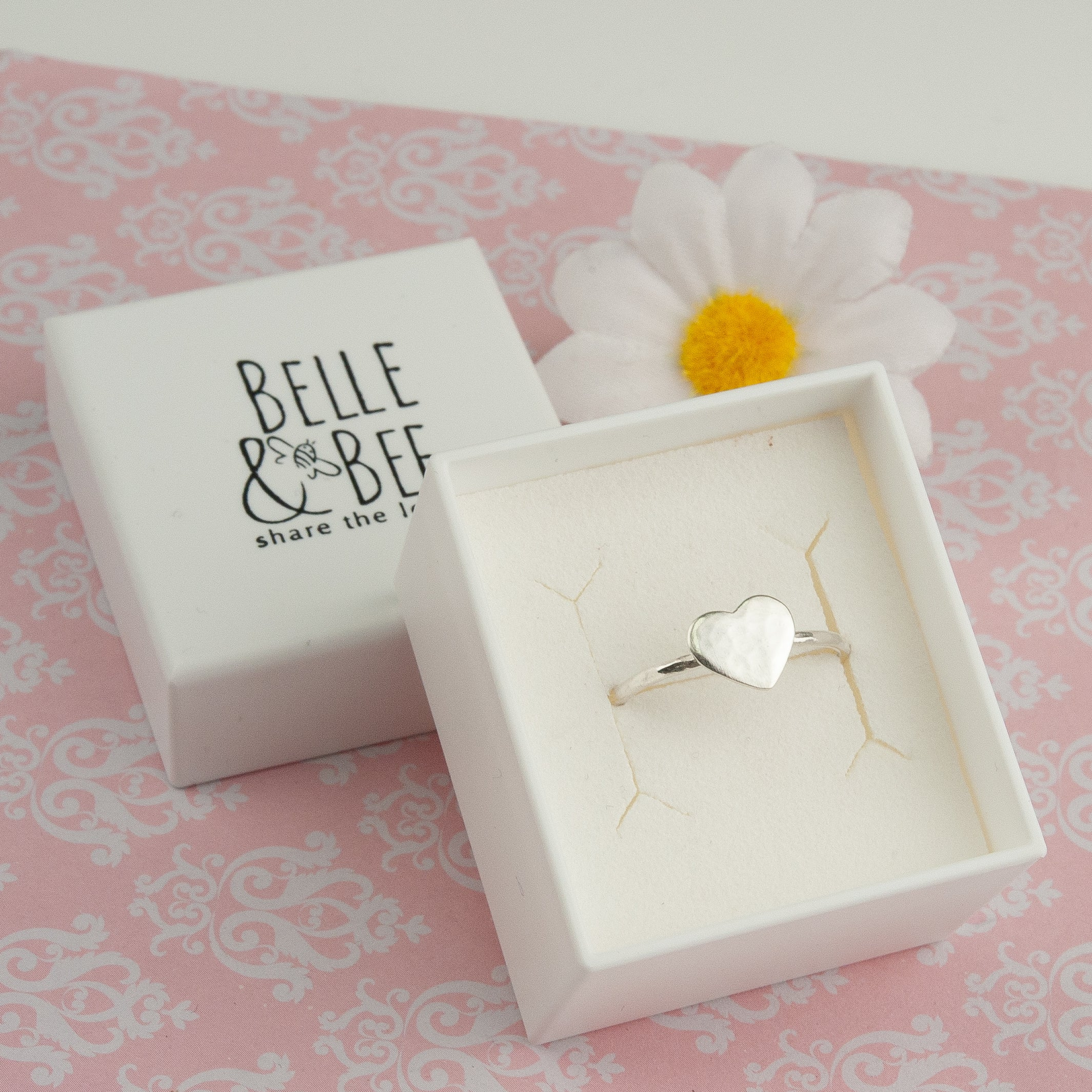 Belle & Bee Skinny heart ring