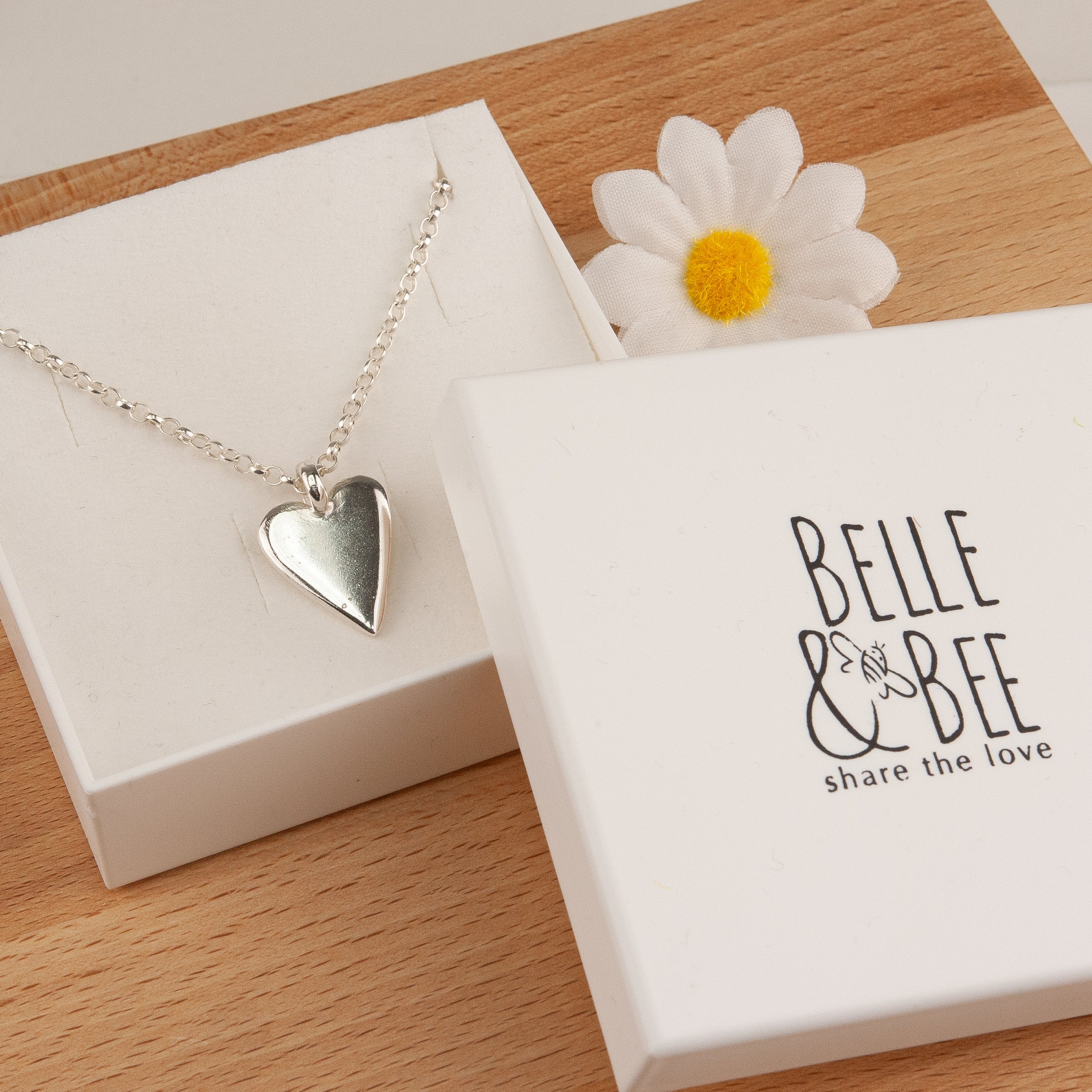 Belle and Bee Sterling Silver Belcher Chain Midi Chunky Heart Necklace