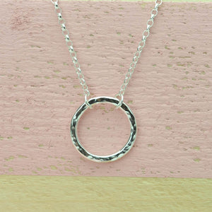 Belle & Bee Sterling Silver Karma Hammered Circle Necklace
