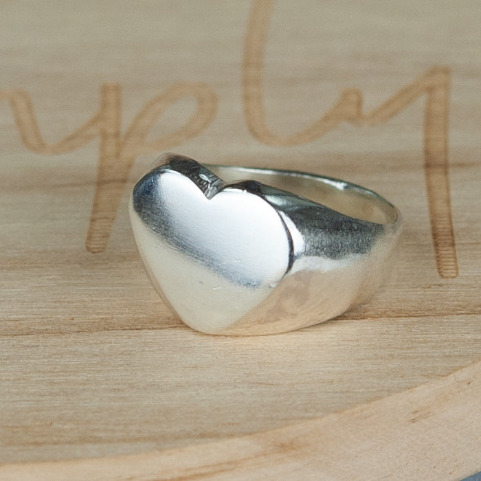 Belle & Bee sterling silver chunky heart signet ring