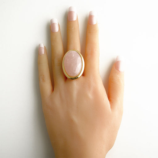 Olinda Oval Ring in Rose Quartz