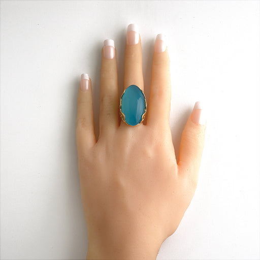 Alecrim Oval Ring in Bright Blue Agate