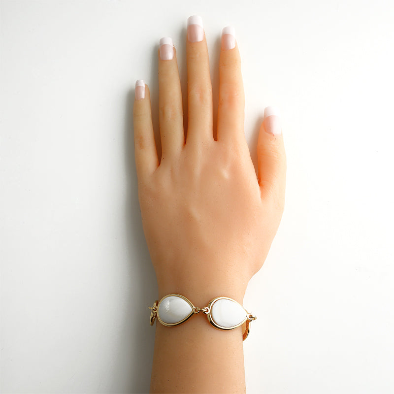 Sume Gold Chain Bracelet with Mother of Pearl