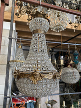 Load image into Gallery viewer, Marie Antoinette Chandelier