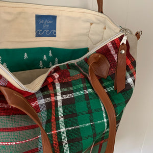 Modern plaid tote bag with crossbody strap