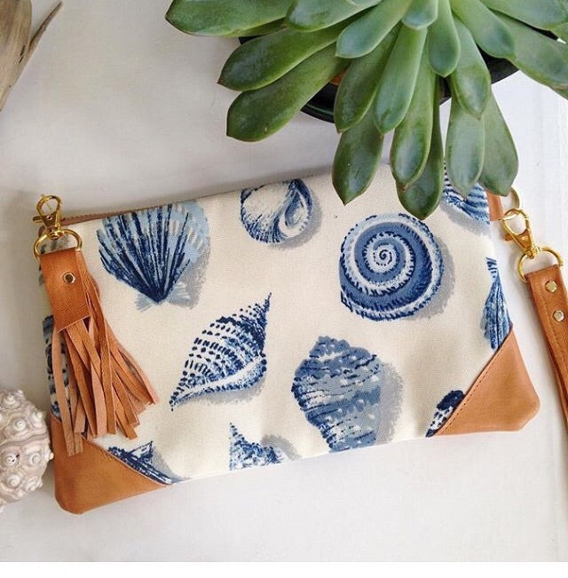 Seashell clutch bag