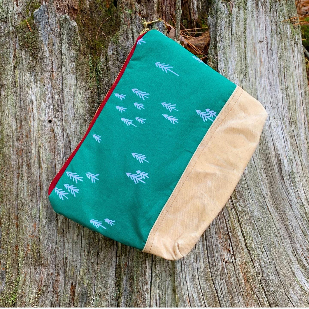 Maine Forest toiletries bag