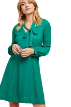 Load image into Gallery viewer, Anthropologie Women's Gina Bow Tie V-Neck Long Sleeve A-Line Kelly Green Dress - Luxe Fashion Finds