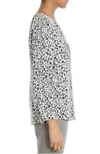 Load image into Gallery viewer, Joie Women's  Purine Silk V Neck Heart Print White Black Long Sleeve Blouse - Luxe Fashion Finds