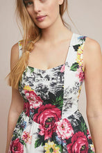 Load image into Gallery viewer, Anthropologie Women's Sleeveless Fit & Flare Vintage Rose Floral Cotton Dress – 12 - Luxe Fashion Finds