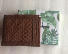 Load image into Gallery viewer, Tommy Bahama Men's Key Largo Brown Leather Passcase Billfold Bifold Wallet