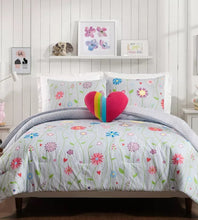 Load image into Gallery viewer, Jessica Simpson Growing Garden Floral Stripe Heart 3-Piece Twin Comforter Set