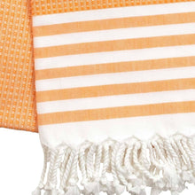 Laden Sie das Bild in den Galerie-Viewer, Fouta mit Wabenmuster - orange
