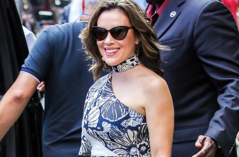 Alyssa Milano just stepped out in NYC wearing $30 sunglasses