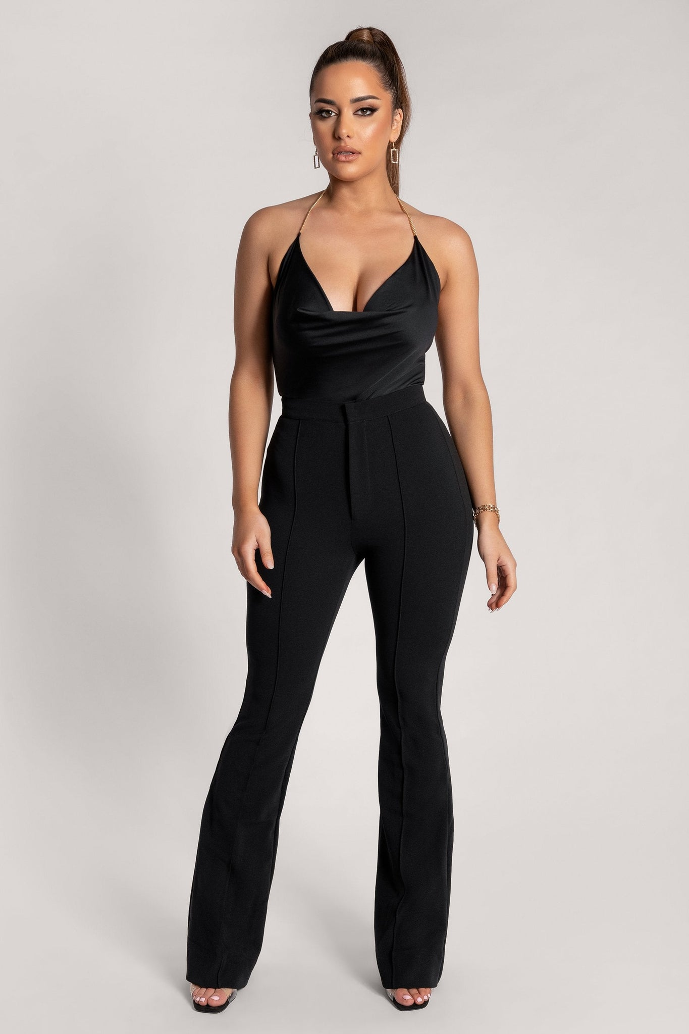 Zendaya Highwaisted Flare Pants - Black - MESHKI
