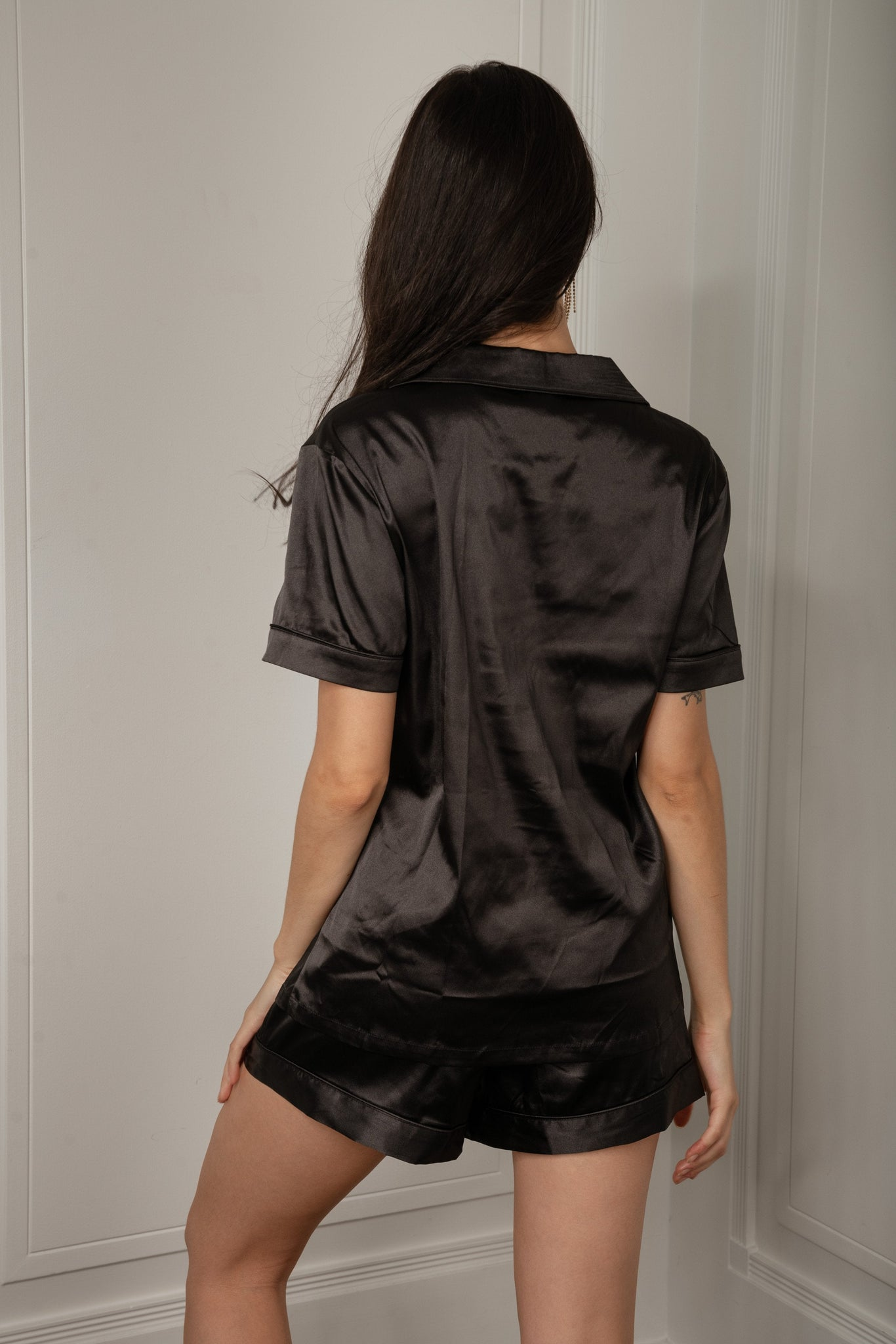 Madelyn Satin Pyjama Shorts - Black - MESHKI
