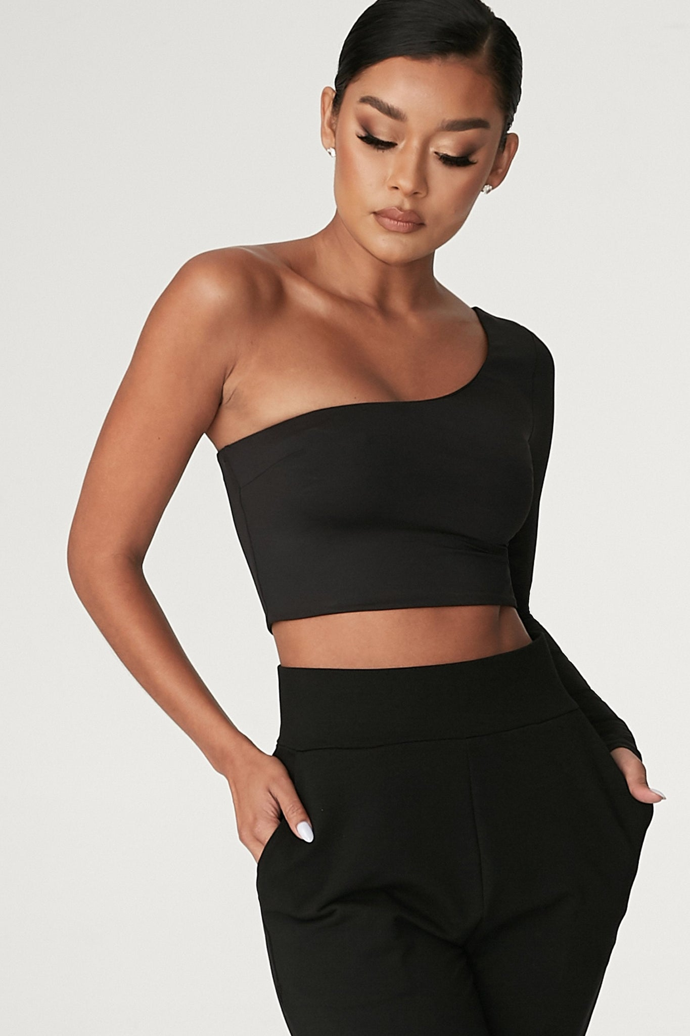 Amirah One Shoulder Crop Top - Black - MESHKI