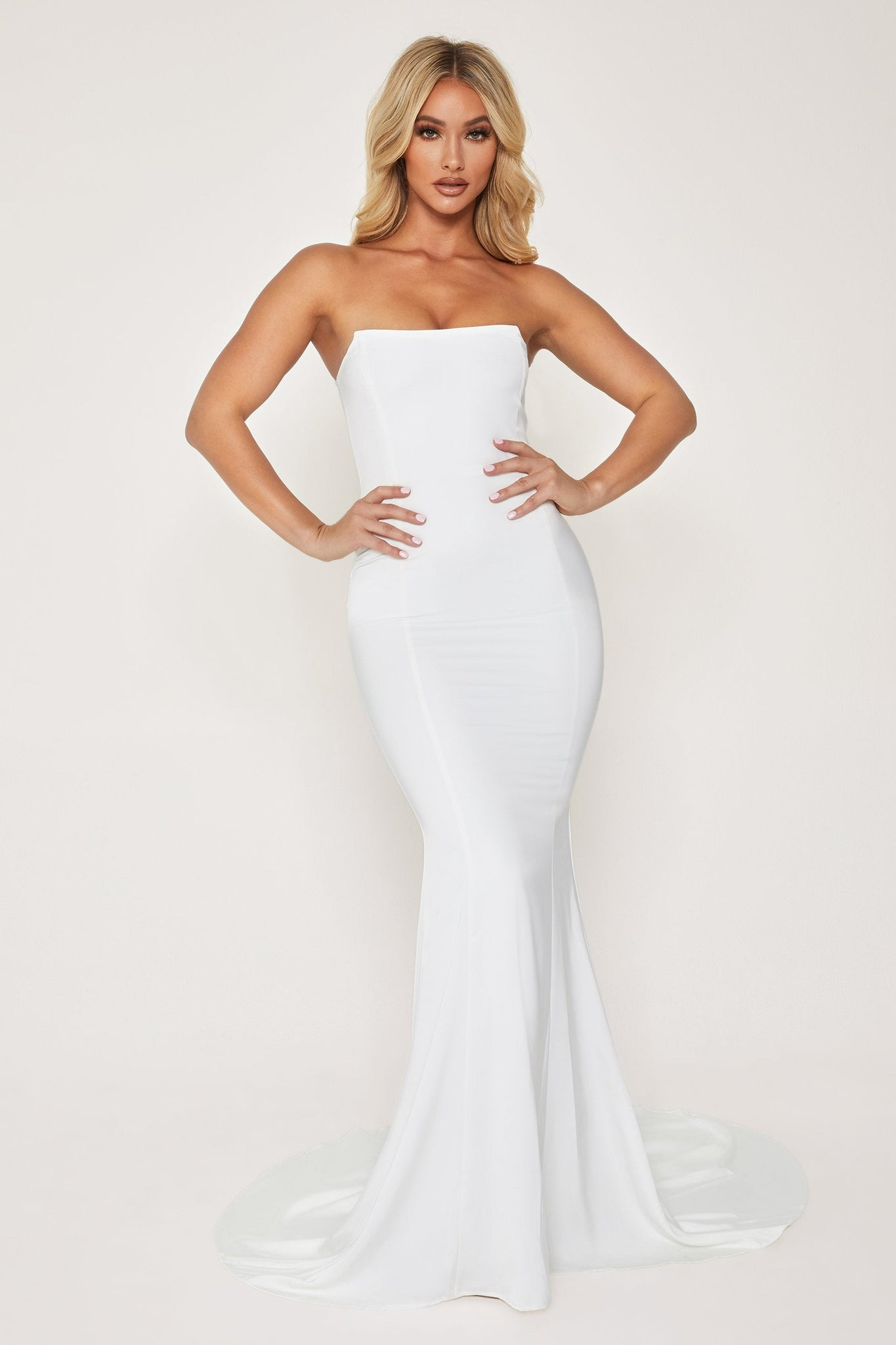 Farrah Strapless Fishtail Gown - White - MESHKI