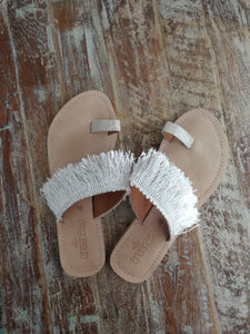 White Fringed Toe Slides - Anannasa