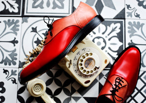 What goes with red shoes for men?