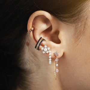 Daisy and Pearl Drop Chain Earring