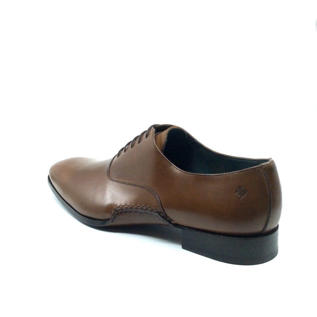 Dress shoes for men by Italian designers
