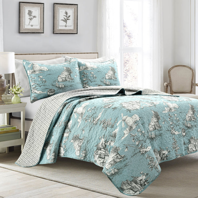 French Country Toile Cotton Reversible Quilt Blue/White 3Pc Set King