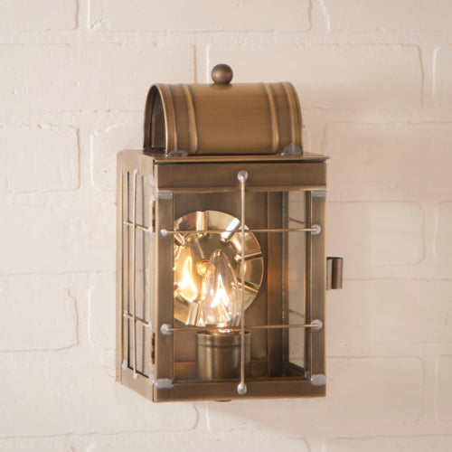 "<img src="" 25WBBR.jpg "" alt="" Small Wall Lantern in Weathered Brass "">"