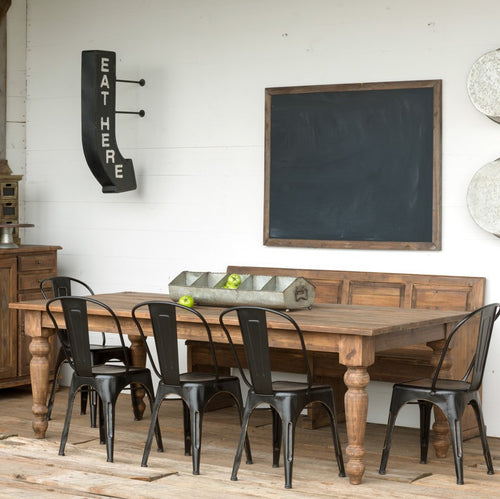 Farmhouse Table With Classic Rustic Charm