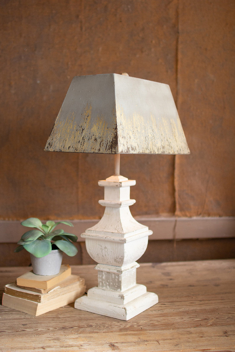 TABLE LAMP WITH PAINTED WOODEN BASE AND RECTANGLE METAL SHADE