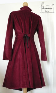manteau whitechapel en velours bordeaux