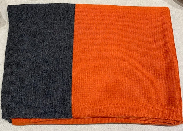 Alicia Adams Alpaca - Band Throw Orange/Dark Grey