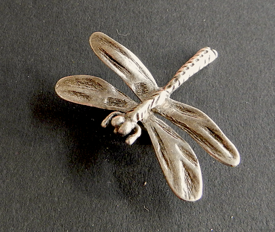 Dragonfly Pewter Brooch Antique silver : Peek- a- Boo