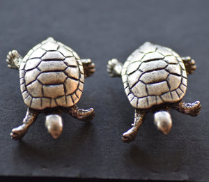 Turtle Pewter  Antique Silver Plated cuff links - Peek a Boo