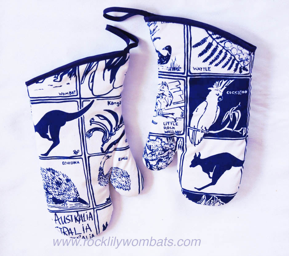 Fauna & Flora Blue Print pair of Oven Mitts (2)