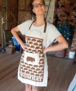 Wombat Apron natural colour with pocket brown print wombat