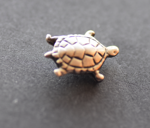 Turtle Green Sea Pewter Brooch extra small Antique Silver Plated -Peek-a-Boo