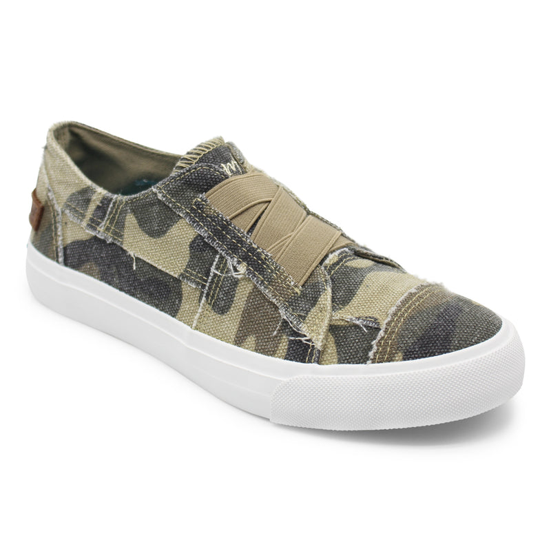 #558 Camo canvas slip on shoes
