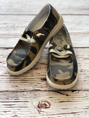 #620 Poppy's slip on shoes (camo)