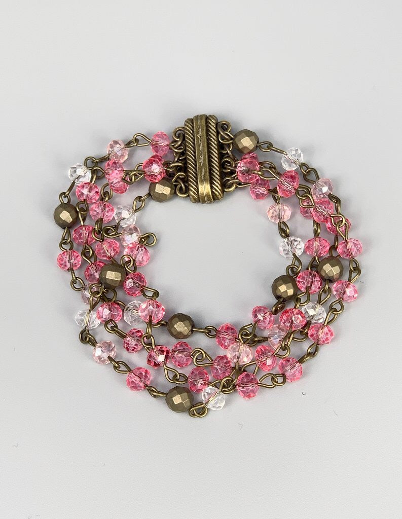 #643 Beaded Bracelet (Strawberry)