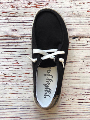#621 Poppy's slip on shoes (black)