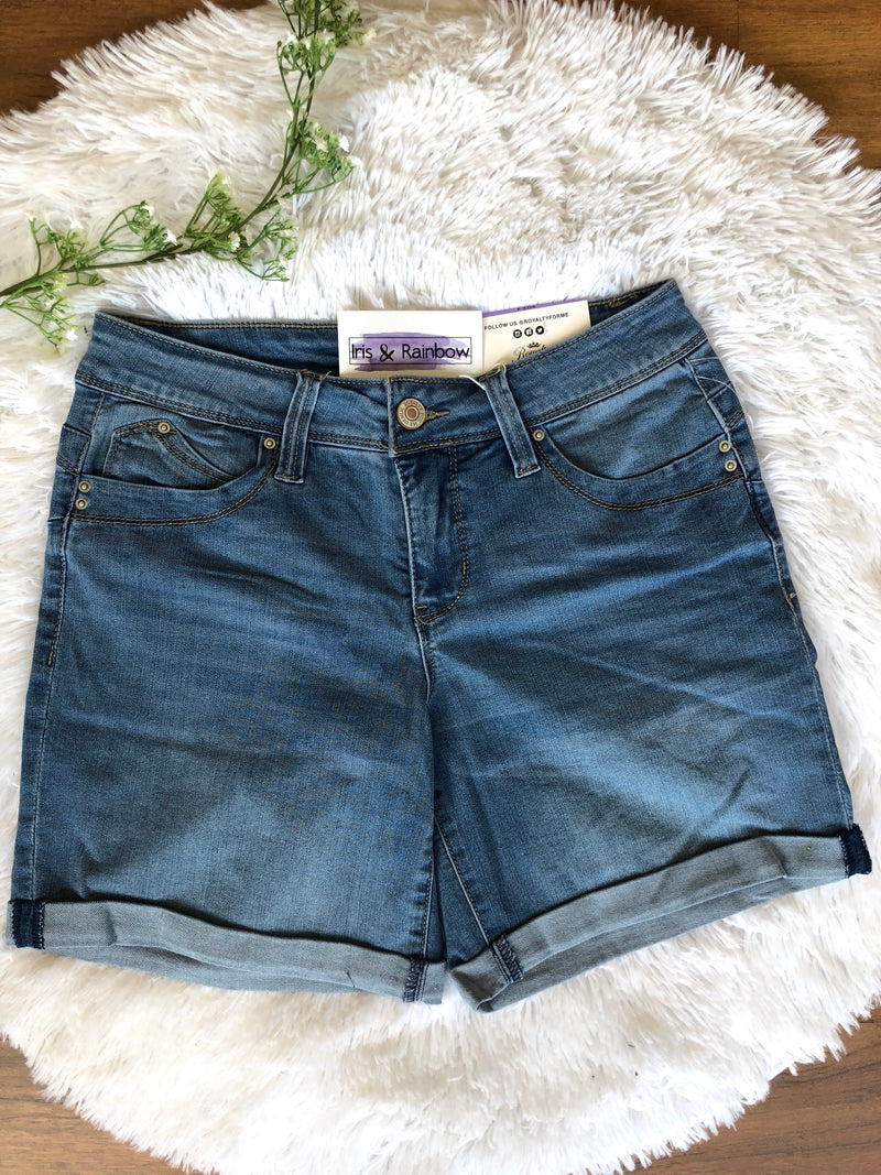 #B158 Summer Dreams Cuffed Shorts (Light Wash)