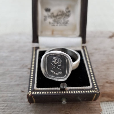 Death or Glory Skull and Crossbones Ring