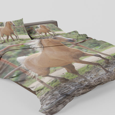 Dream Horse Run Bedding Set